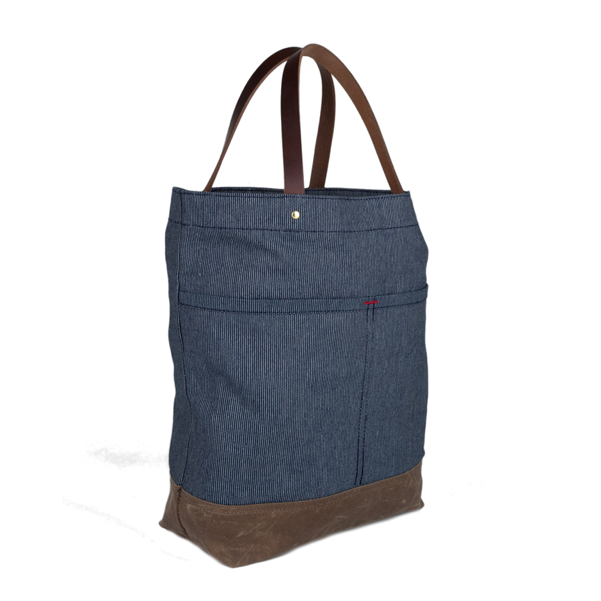 Market Tote Wax Bottom Angle F18